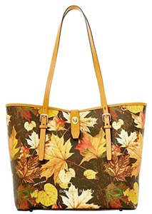 Dooney & Bourke Dover Maple Leaf Tote in Brown T'Moro