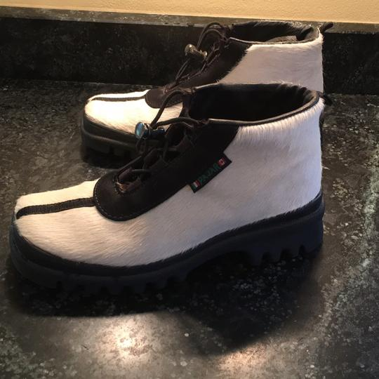 Pajar White with black trim Boots
