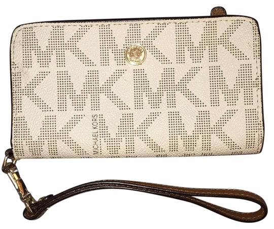 Preload https://img-static.tradesy.com/item/19355027/michael-michael-kors-mk-wallet-case-vanilla-leather-wristlet-0-1-540-540.jpg