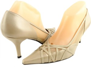 Stuart Weitzman Rivers Goldwash Designer Pointed Toe Size 8.5 Taupiary GoldWash Pumps