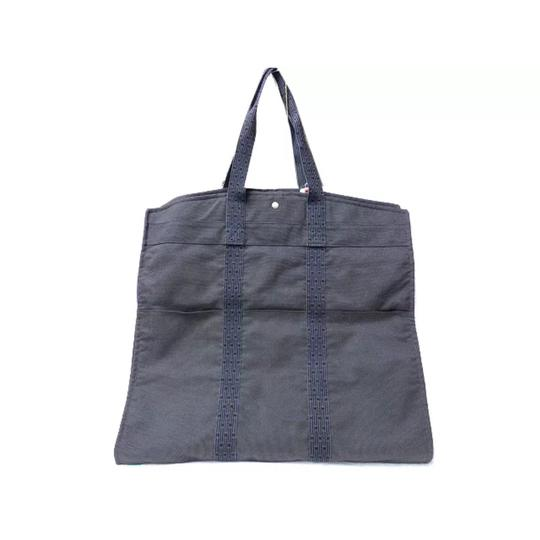 Preload https://img-static.tradesy.com/item/19355763/hermes-herline-garment-blue-canvas-weekendtravel-bag-0-0-540-540.jpg