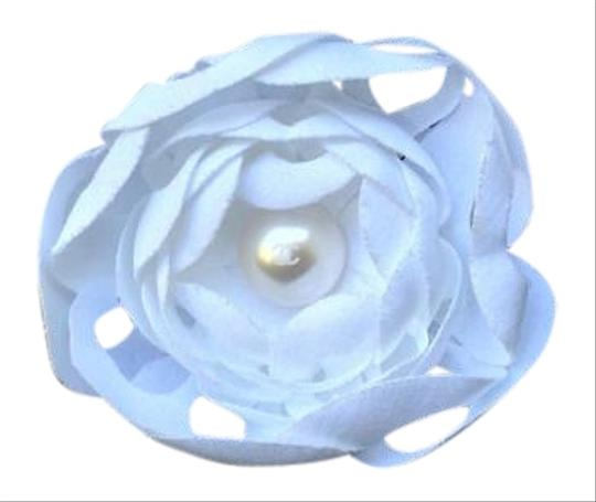 Preload https://item2.tradesy.com/images/chanel-white-14p-brooch-with-cc-pearl-rare-19356416-0-1.jpg?width=440&height=440