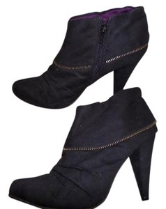 Qupid Heeled Ankle Zippered Black Boots