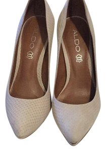 Gianni Bini Bone Pumps