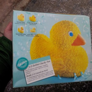 Wilton's Silver Ducky 3 D Cake Pan Set ~ Great For Baby Shower
