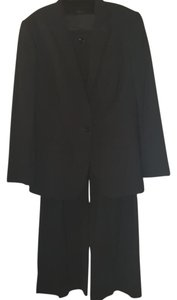 Dolce&Gabbana EXCELLENT CONDITION! Dolce & Gabbana Black Wool Pantsuit
