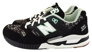 New Balance Black, mint & white Athletic