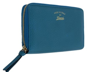Gucci Women's 354497 Teal Leather Trademark Logo Swing Zip Around Wallet