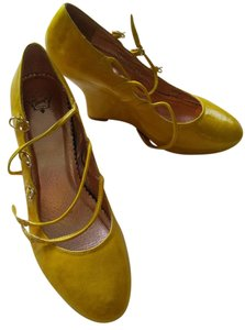 Miss Albright Yellow Wedges