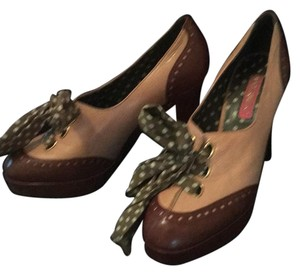 Betsey Johnson Beige and brown Platforms