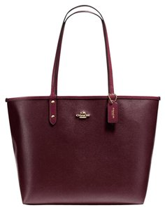 Coach Tote in Oxblood/Burgundy