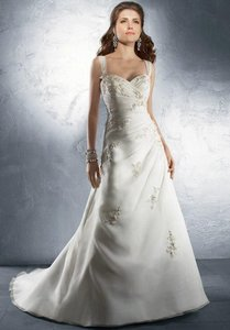 Alfred Angelo 2225 Wedding Dress