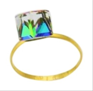Bullion & Diamond Co. Cube Glass Rock Prim Crystal, Color Changing Ring, 18k Yellow Gold