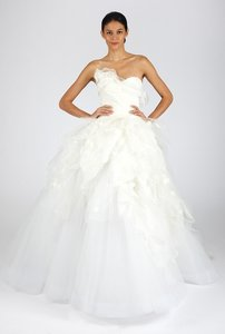Oscar De La Renta 44n65 Wedding Dress