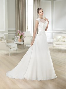 Pronovias Jackeline Wedding Dress