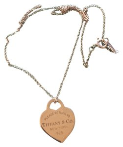 Tiffany & Co. TIFFANY & CO. SMALL HEART TAG PENDANT