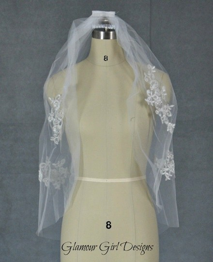 One Tier Veil With Lace Appliques