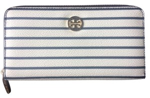 Tory Burch Tory Burch Robinson Printed Zip Continental Wallet