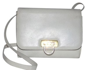 Salvatore Ferragamo Mint Vintage Dressy Or Casual Two-way Style Gancini Accent Gold Hardware Satchel in white leather