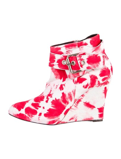 Preload https://img-static.tradesy.com/item/19366044/elysewalker-los-angeles-red-and-light-grey-suede-tie-dye-ankle-bootsbooties-size-us-95-regular-m-b-0-0-540-540.jpg
