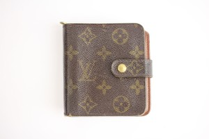 Louis Vuitton Monogram Compact Wallet 59LVA902