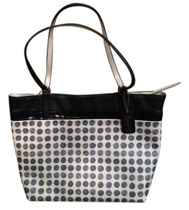 Coach Tote in Blue/Creme/White