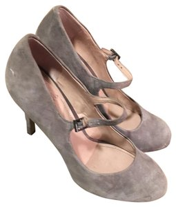 Vince Camuto Gray Pumps