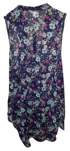 No Boundaries Top Navy floral