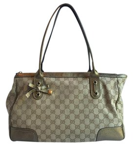 Gucci Beige Tote in Beige, Gold