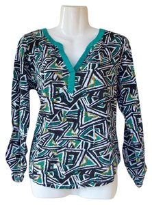 New Directions Crochet Longsleeve V-neck Geometric Colorful Top green, yellow, white, black, grey