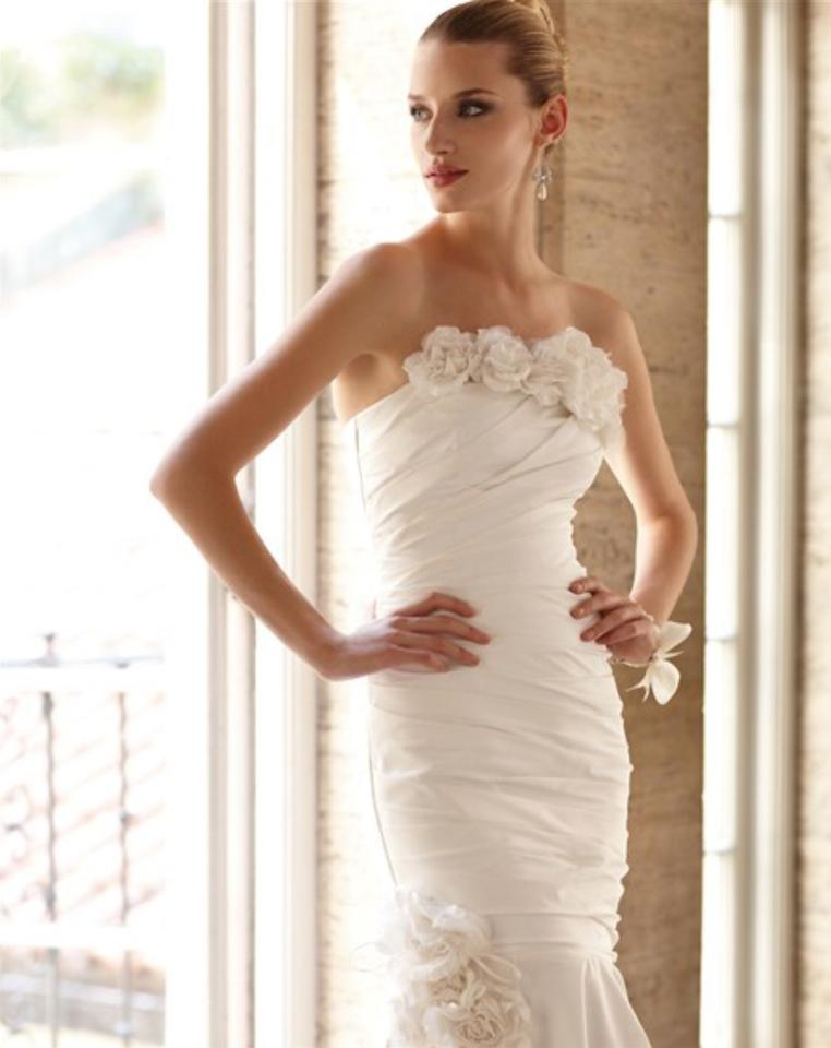 Designer clothing and accessories up to 90 off at tradesy for White house black market wedding dresses