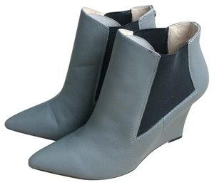 Nicole Miller Grey leather Boots