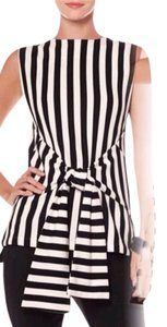 Gracia Wrap Bow Top Black and White
