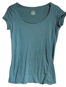 Charlotte Russe Scoop Faded T Shirt Green