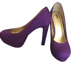 Mossimo Supply Co. Suede Like Platform Heel purple Pumps