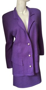 St. John St. John Pearl Button Skirt Suit