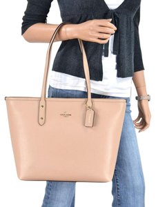 Coach Brown Tote in beechwood Gold
