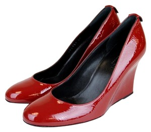 Gucci Patent Leather Wedge Pump W/interlocking G Red Platforms