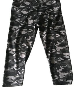 Fabletics Fabletics Camo Workout Crop Pants