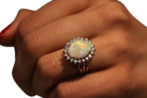 Light Halo shape Opal- 14k White Gold Natural Gemstone Jewelry
