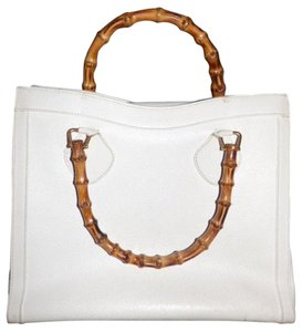 Gucci Extra Large Size Or Tote Multi-compartment Bamboo Handles Has Restored Lining Satchel in White