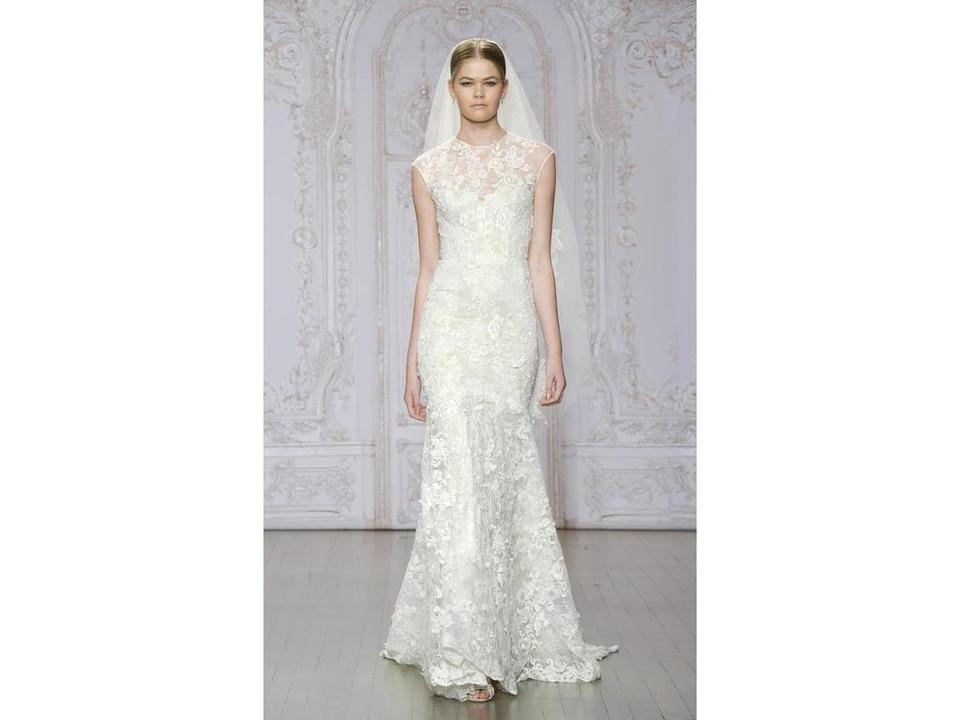Monique Lhuillier Ivory with Nude Slip Handsewn Delicate Laces ...