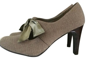 Ann Marino Taupe/light olive Pumps