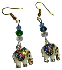New Elephant Charm Earrings Gold Tone J2874
