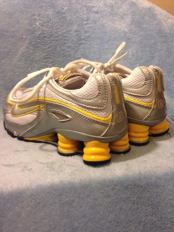 7a81c3f104d3 Nike Siver and Yellow Shox Livestrong Sneakers Size US 7 Regular (M