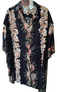 Hilo Hattie Classic Button Down Shirt Hawaiian