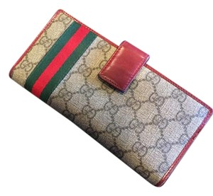 Gucci Gucci GG Canvas/Leather Wallet