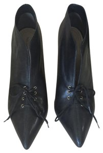 Pour La Victoire Leather Black Pumps