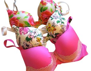 Victoria's Secret NEW 3 x Victoria's Secret flower Floral Full coverage Bra lace 32A