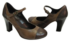 Merona Size 6.00 M Good Condition Brown, Tan, Pumps